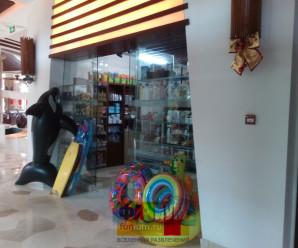 Магазин сувениров в китайском отеле, фото.