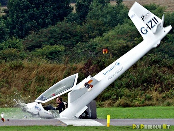 демотиваторы и приколы про полеты на самолете (23)