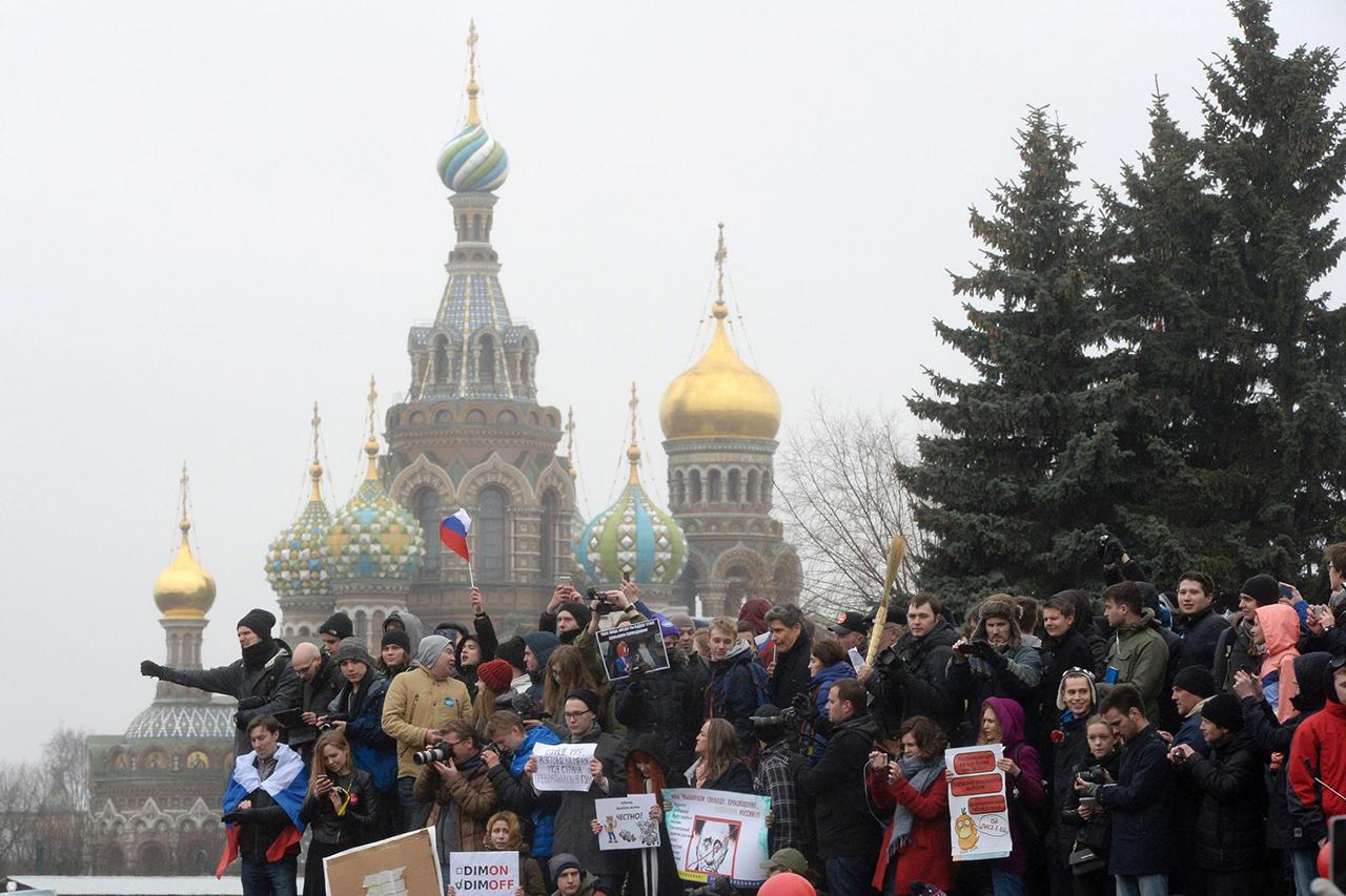 прикольные фото с митинга против медведева (9)