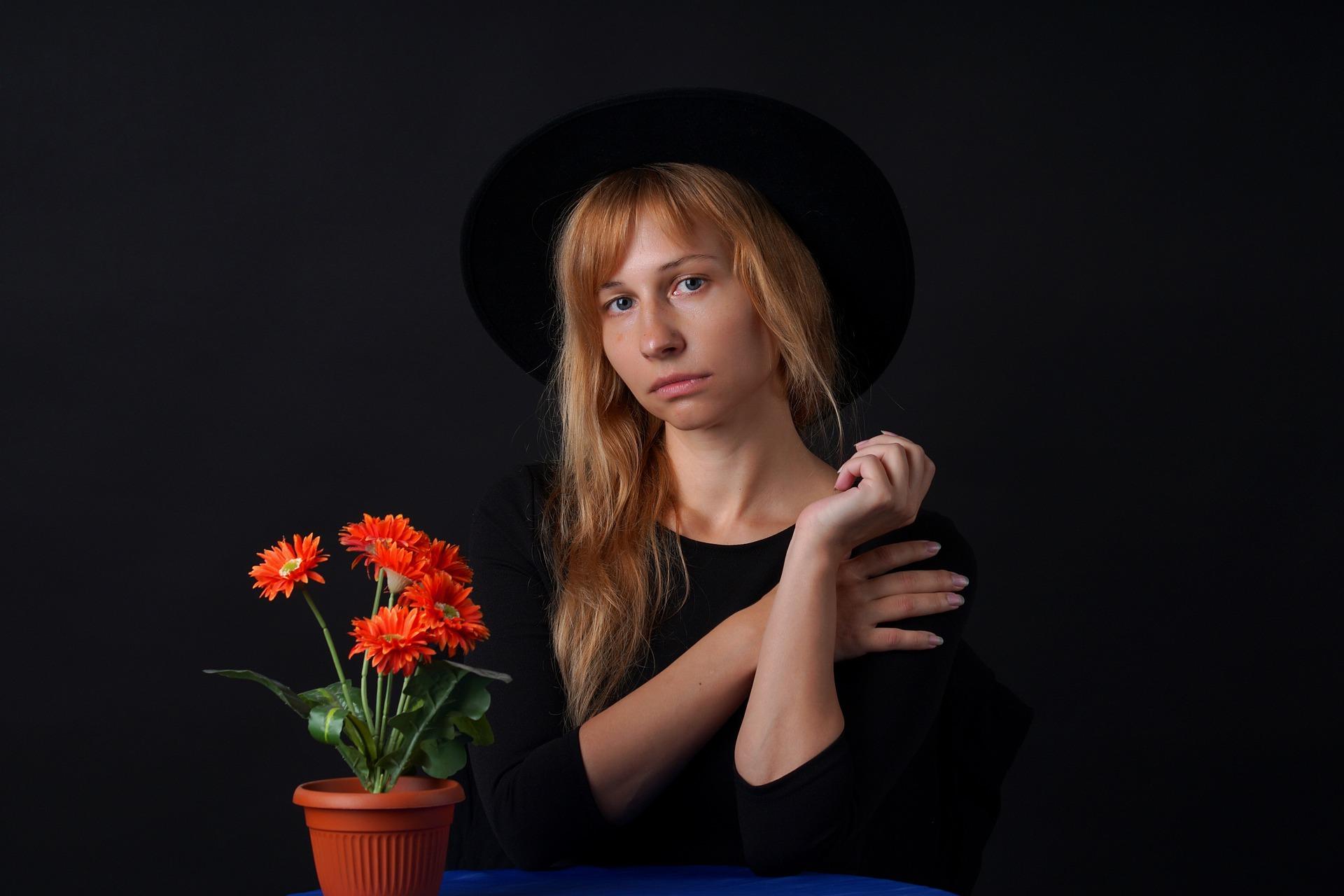portrait-4373381_1920